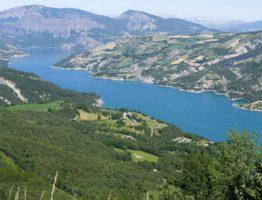 Alpes lac serre poncon